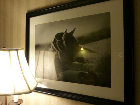 The Galt House, a Trademark Collection Hotel: Artwork in Room
