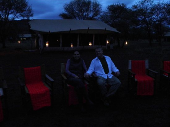 andBeyond Serengeti Under Canvas : Campfire with dining tent in background