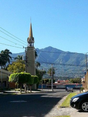 Casa Lima B & B: Surrounding neighborhood