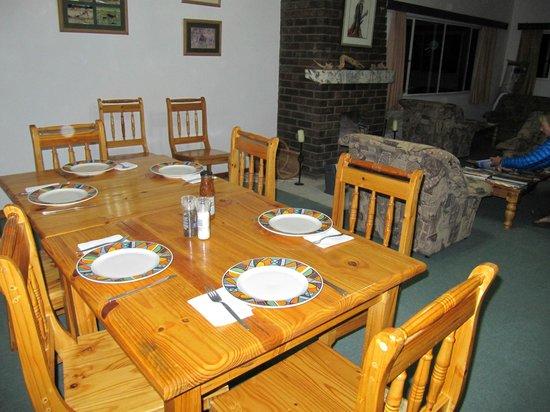 Kalahari Trails: Dining room