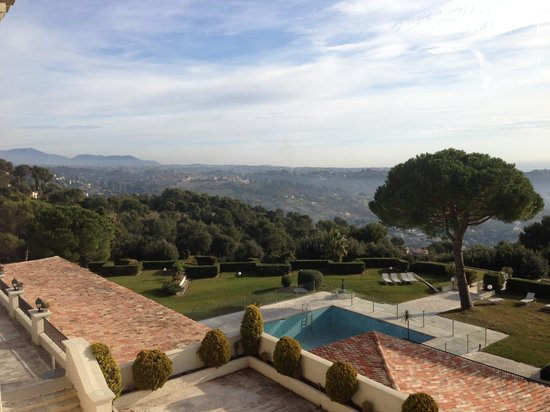 Le Mas d'Artigny : Вид на Сан Поль де Ванс