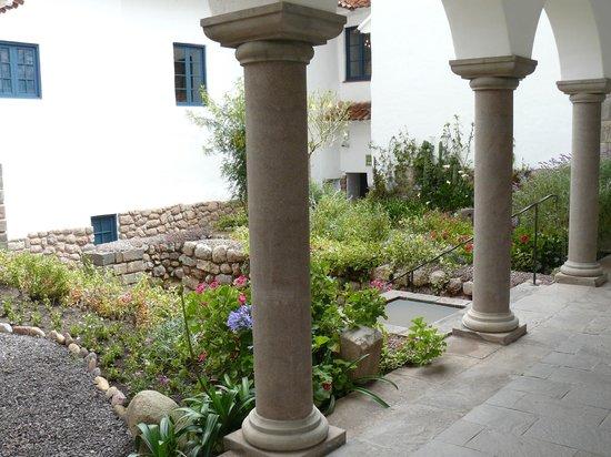 Belmond Palacio Nazarenas: Precioso en un claustro