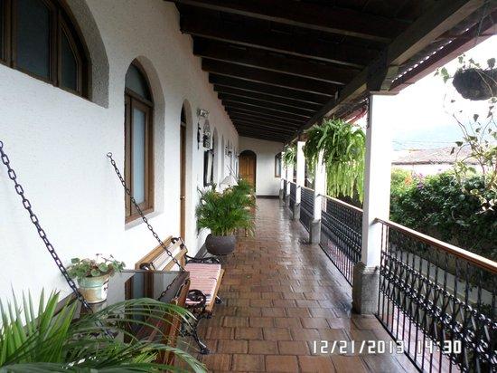 Casa Florencia Hotel: corridor outside second floor bedroom