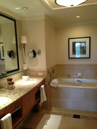 The Umstead Hotel and Spa: soaker tub - wish it had jets