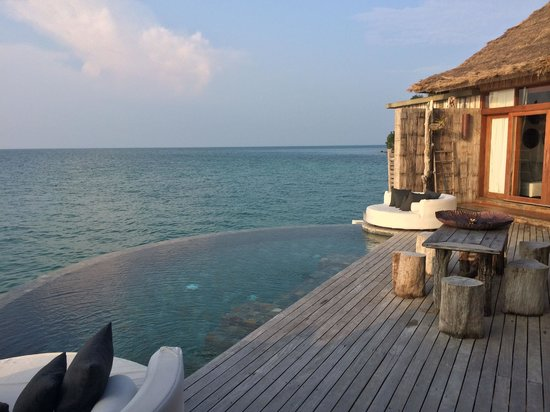Song Saa Private Island: Deck