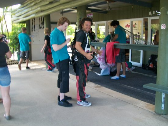 Skydive Airlie Beach : Professional staff