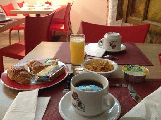 Coeur de City Hotel Nancy Stanislas: Mon petit déjeuner.
