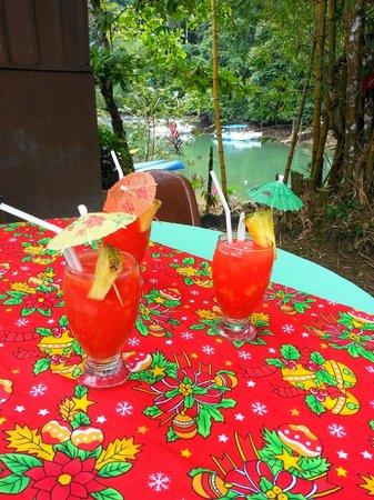 Drake Bay Wilderness Resort : welcome drinks