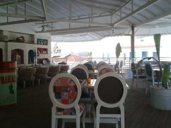 The Deck Restaurant & Bar: I love the mix of colours and fresh cooling white
