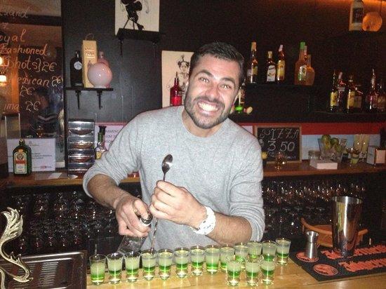 Una Mas Bar: Lets party