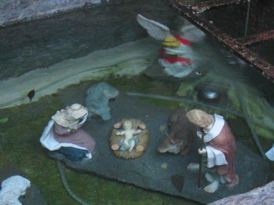 Forte di Bard: particolare dentro la fontana