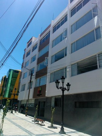 Tierra Viva Puno Plaza Hotel: From the street