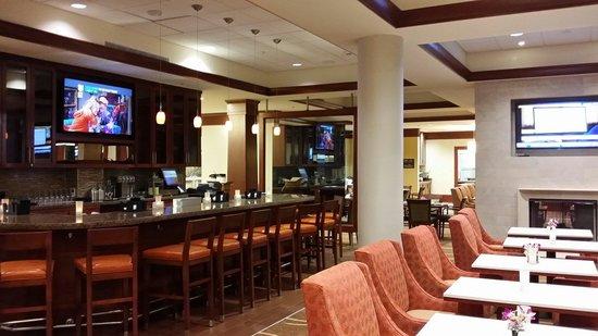 Hilton Garden Inn Durham/University Medical Center: Great Bar!