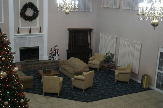 Branson Towers Hotel: East side of Lobby