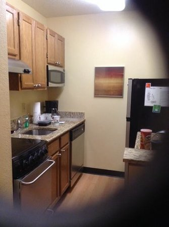 TownePlace Suites Richmond : kitchen