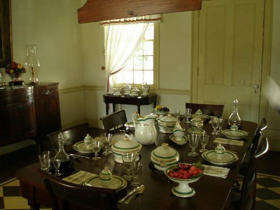 Kent Plantation House: Dining room inside main house.
