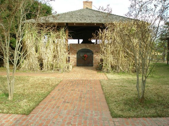 Kent Plantation House: Sugar cane/Sugar processing