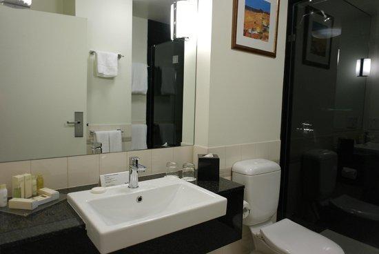 Radisson on Flagstaff Gardens: ванная