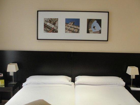 Hotel Exe Suites 33 : Parte de la decoración