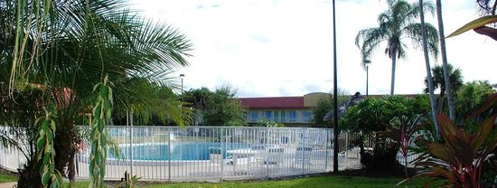 Vero Beach Inn & Suites: pool