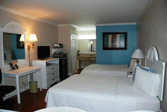 Vero Beach Inn & Suites: 2 queen room