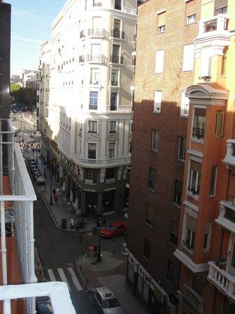 Hotel Exe Suites 33 : Vista dirección hacia Plaza España