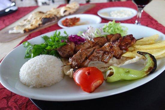 Sedef Restaurant: Super tender chicken shish kebab