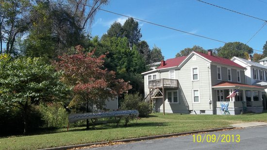 The Smith Creek Inn at Clifton Forge, VA, LLC: getlstd_property_photo