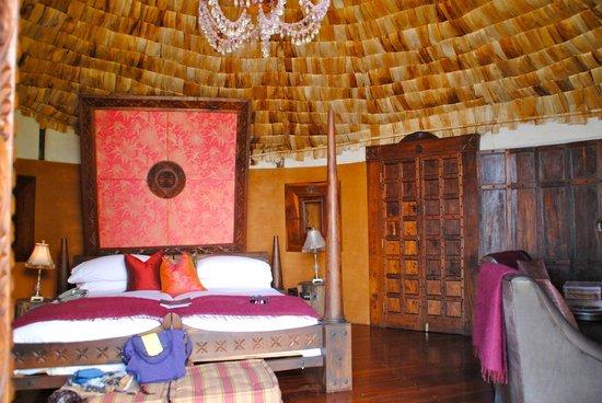 andBeyond Ngorongoro Crater Lodge: bedroom area