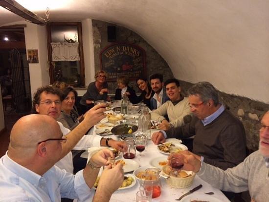 Agriturismo Val del Tasso: cena tra amici
