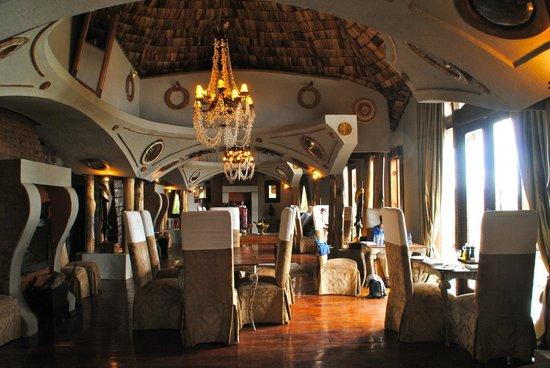 andBeyond Ngorongoro Crater Lodge: dining room