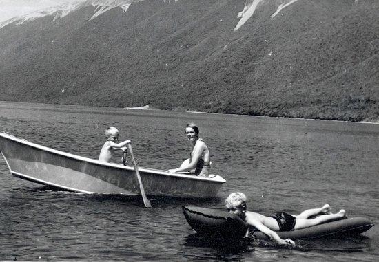St Arnaud House B&B : 1960's Lake Rotoiti