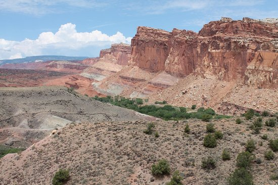 Capitol Reef National Park: View from beginning of Cohab Canyon hike