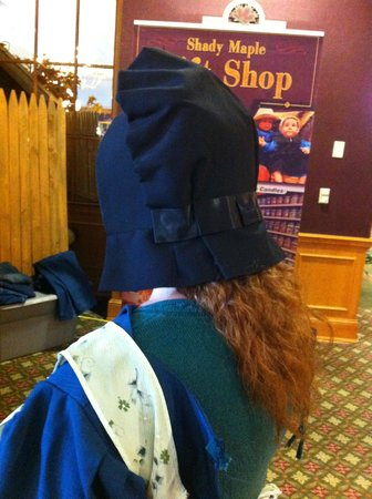 Shady Maple Smorgasbord: The redheaded Amish Lady