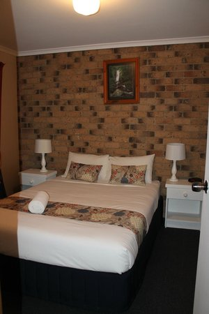 Montville Holiday Apartments: The bedroom