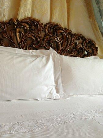 Chateau Lamothe du Prince Noir - Bordeaux : Deilige senger med nydelig sengetøy