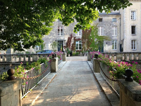 Chateau Lamothe du Prince Noir - Bordeaux: Gårdsplassen