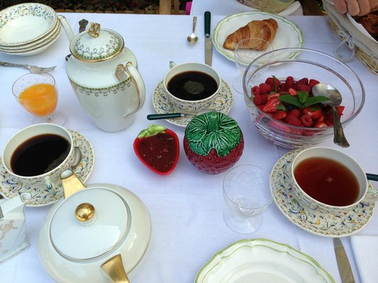 Chateau Lamothe du Prince Noir - Bordeaux: Frokost på terrassen