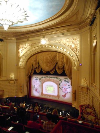 San Francisco Opera : Seat against the wall:(