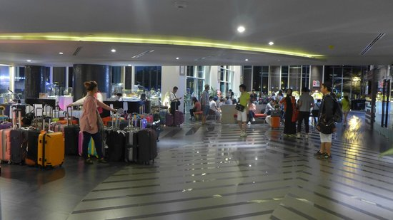 BEST WESTERN PREMIER Amaranth Suvarnabhumi Airport: entrance lobby