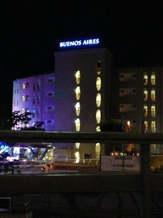 eo Hotels Las Gacelas Apartments: Across the Road.