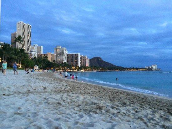 Moana Surfrider, A Westin Resort & Spa : Waikiki Beach