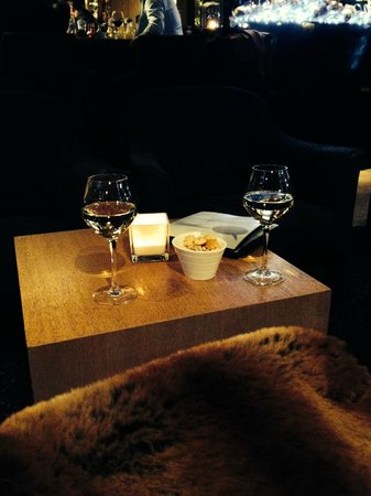 Flanders Hotel: Bar!