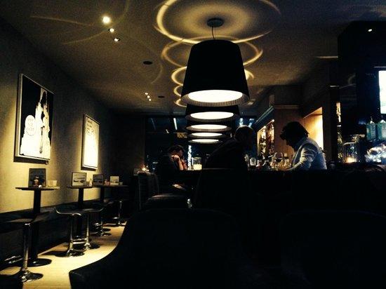 Flanders Hotel: Bar
