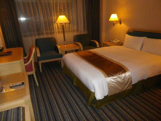 Santos Hotel: シングルルーム
