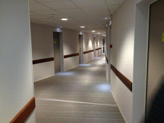 Couloir - Photo de Hôtel du Futuroscope, Chasseneuil du Poitou ...