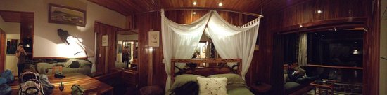 Hidden Canopy Treehouses Boutique Hotel: Cloud Room