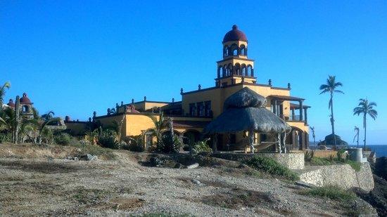 Hacienda Cerritos Boutique Hotel: View of Hacienda from the toward looking south