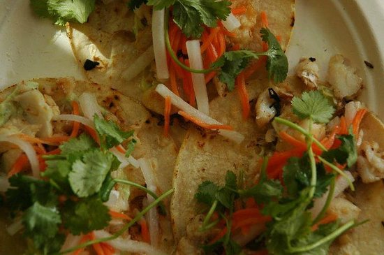 Andrae's Kitchen : cod tacos