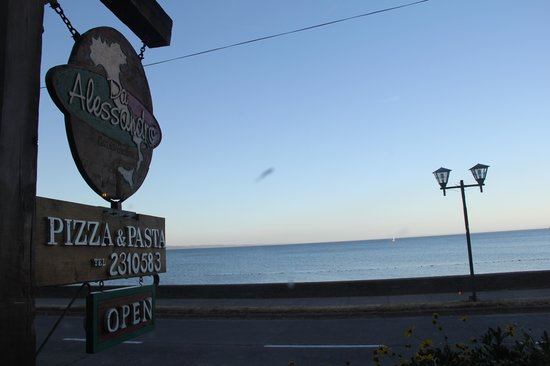 Da Alessandro Pizza & Pasta: vista desde adentro